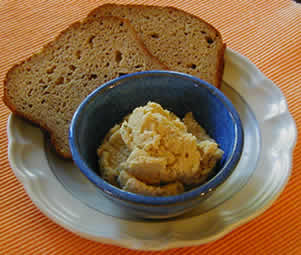 Chickpea Spread with herbs by Susan Voisin and the Fat Free Vegan Blog
